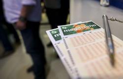 Mega-Sena pode pagar hoje R$ 2,5 milhões (Foto: Marcelo Camargo/Agência Brasil)