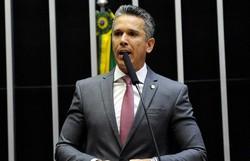 Câmara aprova medida que pode salvar setor aéreo (O deputado Felipe Carreras é autor da emenda. Foto: Câmara dos Deputados/Divulgação)