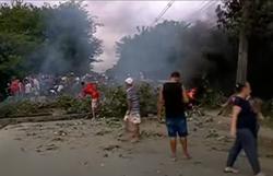 Protestos por moradia movimentam Região Metropolitana e complicam trânsito nesta segunda (Foto: Reprodução/Vídeo )