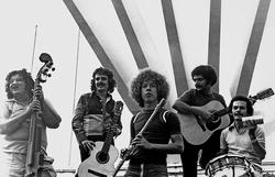 História dos 50 anos do Quinteto Violado é contada em livro de José Teles