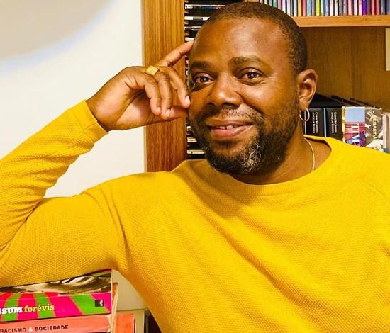 Érico Brás escreve livro com relatos de suas histórias de racismo e repressão policial (Instagram/Reprodução)