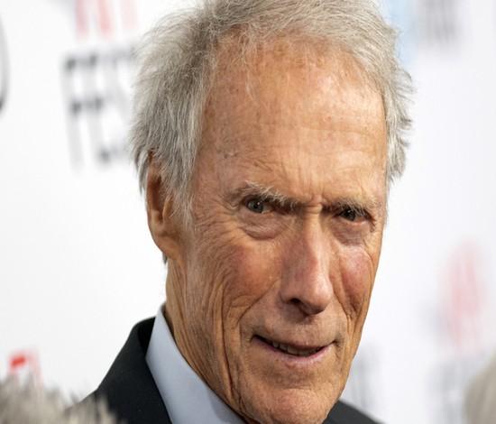 Clint Eastwood celebra 90 anos sem pensar em aposentadoria ( Valerie Macon/AFP)