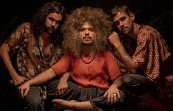 Trio Mulungu faz pré-lançamento de single em evento online (Foto: Larinha Dantas/Divulgação)