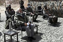 Primeiro-ministro indiano faz visita surpresa à região em conflito com a China (Foto: Handout / PIB / AFP)
