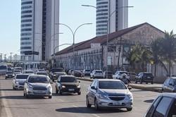 Veículos com placas terminadas em 1 e 2 têm até esta semana para circular com CRLV 2019 (Foto: Leandro de Santana/ Esp.DP FOTO)