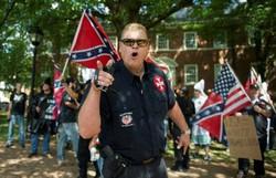Membros da extrema direita são julgados por violência em Charlottesville, em 2017 (Foto: AFP)