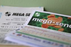 Ninguém acerta a Mega-Sena e prêmio acumula em R$ 10 milhões (Foto: Tânia Rêgo/Agência Brasil)