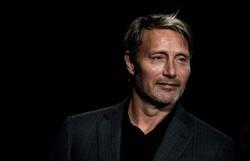 Mads Mikkelsen substituirá Johnny Depp na saga 'Animais fantásticos' (Foto: JEFF PACHOUD/AFP)