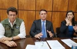 """""""Eu fiz uma aproximação"""", diz Bolsonaro sobre valor de auxílio de mil dólares (Foto: Reprodução\Youtube )"""