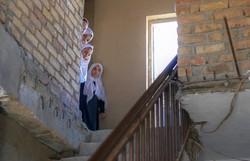 Talibã afirma que mulheres voltarão às escolas assim que possível (Foto: Bulent Kilic/AFP)