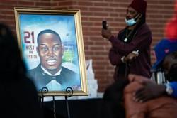 Três americanos brancos vão a julgamento pela morte de corredor negro (Foto: GETTY IMAGES NORTH AMERICA / AFP)
