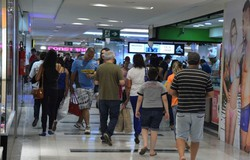 Governo de Santa Catarina volta atrás em plano de reabertura do comércio (Foto: Valter Campanato/Agência Brasil )