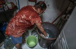 Bairro do Hipódromo sofre com falta d%u2019água e vizinhos com cisterna se ajudam  (Foto: Paulo Paiva/ DP)
