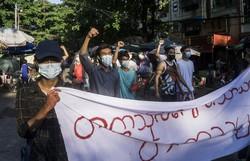 Mais de 700 civis morreram desde o golpe militar em Mianmar (STR / AFP)