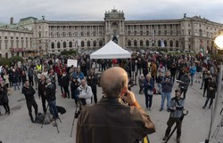 Áustria decreta novo confinamento e toque de recolher noturno (Foto: JOE KLAMAR / AFP )