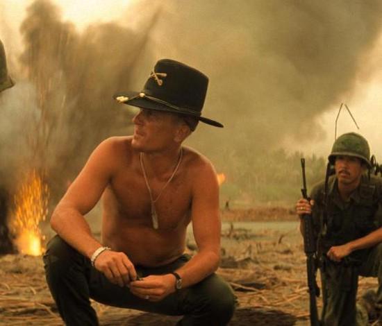 Set de 'Apocalypse Now' se dividiu entre ordem e caos, com cadáveres em cena (Divulgação)