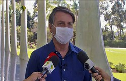 Equipes de TV que entrevistaram Bolsonaro entram em quarentena (Foto: Reprodução/TV)