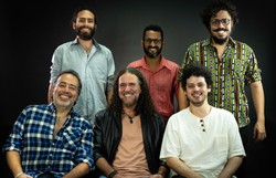 Banda de Pau e Corda realiza live para comemorar 48 anos de carreira (Foto: Estudio Orra/Divulgação)
