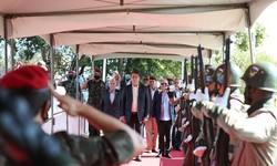 'Obstáculos serão vencidos', diz Bolsonaro durante cerimônia militar (Foto: Marco Corrêa / PR)
