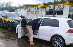 Homem é detido no Recife conduzindo carro roubado e alega que pagaria depois (Foto: Divulgação/PRF)