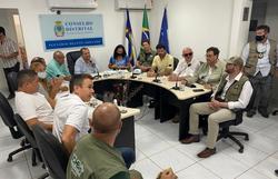 Ao lado de ministros, deputado pernambucano debate sobre água e internet em Noronha (Foto: Divulgação)