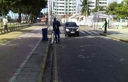 Projeto Amigos da Orla promove mutirão de limpeza no calçadão de Olinda  (Foto: Prefeitura de Olinda/ Divulgação)