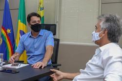 Prefeitos de Jaboatão e Moreno se reúnem para discutir parcerias entre os municípios (Foto: Chico Bezerra/PMJG/Divulgação)