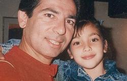 Kim Kardashian ganha holograma do pai que morreu em 2003 (Foto: Reprodução/ Instagram)