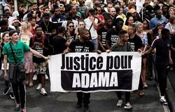 Novo laudo reacende protestos contra morte de jovem em delegacia na França (Foto: Kenzo Tribouillard/AFP)