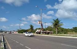 Furto de fios deixa entornos da avenida Olinda sem iluminação e prefeitura reinstala cabos (Foto: Prefeitura de Olinda/ Divulgação )