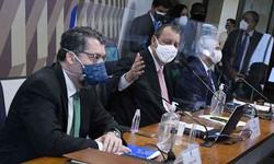 CPI: Aziz para ex-ministro Araújo: 'Sua vaidade custou vidas' (Foto: Agência Senado )