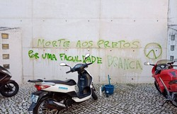 """""""Foi um crime de racismo e xenofobia"""", diz pernambucana estudante de universidade portuguesa alvo de pichações (Foto: Reprodução/Redes Sociais)"""