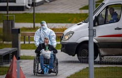 Rússia registra terceiro recorde consecutivo de mortes e contágios por Covid-19 (Foto: DIMITAR DILKOFF /AFP)