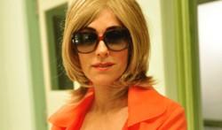 Fina Estampa: Joana revela a delegado que a loura misteriosa e Tereza Cristina são a mesma pessoa. Confira o resumo desta terça
