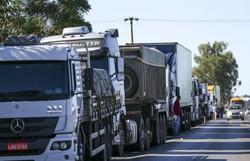Bolsonaro promete 'auxílio diesel' a 750 mil caminhoneiros autônomos (crédito: Marcelo Camargo/Agência Brasil )