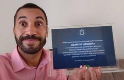 Gilberto recebe homenagem do Governo de PE por incentivar os estudos e defender a educação (Foto: Instagram/Reprodução)