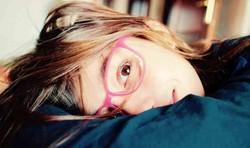 Pandemia: casos de miopia em crianças e adolescentes crescem no Brasil (Estudo do Conselho Brasileiro de Oftalmologia considera a exposição às telas dos aparelhos eletrônicos o fator central que influi nesse cenário. Foto: Reprodução/Pixabay)