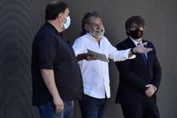 Justiça da UE retira imunidade parlamentar de líder catalão Puigdemont (Foto: RAYMOND ROIG/AFP)