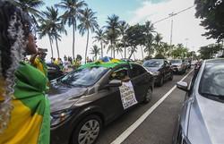 Criticadas por ministro, carreatas anticonfinamento alinhadas com Bolsonaro se repetem pelo país (Foto: Bruna Costa/Esp. DP FOTO)
