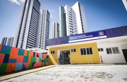 Recife inaugura central de armazenamento e distribuição de vacinas (Foto: Rodolfo Loepert /PCR)