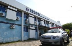 Dois suspeitos de matar e carbonizar uma mulher na Bomba do Hemetério são presos (Foto: Paulo Paiva/DP)