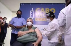 Primeiros vacinados no Cabo de Santo Agostinho são profissionais que atuam na linha de frente no combate à Covid-19 (Foto: Sillas Gabriel/ Prefeitura do Cabo de Santo Agostinho)