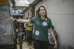 Em campanha, Patrícia Domingos se compromete a criar habitacional em comunidade (Fotos: Tiago Calazans/Divulgação)