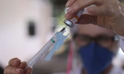 Rio de Janeiro retoma aplicação da primeira dose contra Covid-19 (Foto: Fabio Rodrigues Pozzebom/Agência Brasil)