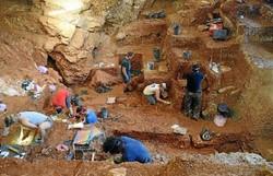 Encontradas evidências de nove neandertais em caverna na Itália (crédito: Jonathan Haws/Divulgação )
