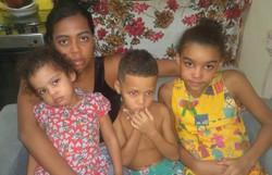Vaquinha online quer ajudar mãe solo que ofereceu faxinas por R$ 20 na pandemia (Foto: Reprodução/Instagram)