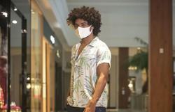 Modelo negro sofre racismo em comentários nas redes sociais de shopping no Recife (Foto: Reprodução/ Instagram)