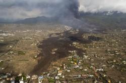 Aeroporto da ilha espanhola de La Palma é reaberto (Foto: EMILIO MORENATTI / POOL / AFP)