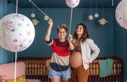 Nascem gêmeas de Nanda Costa e Lan Lahn: 'Mães e as menininhas passam bem' (Foto: reprodução/Instagram)