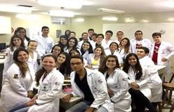 Estudantes de medicina precisam de estágios e EPIs para concluir curso  (Foto: Instagram / Reprodução)